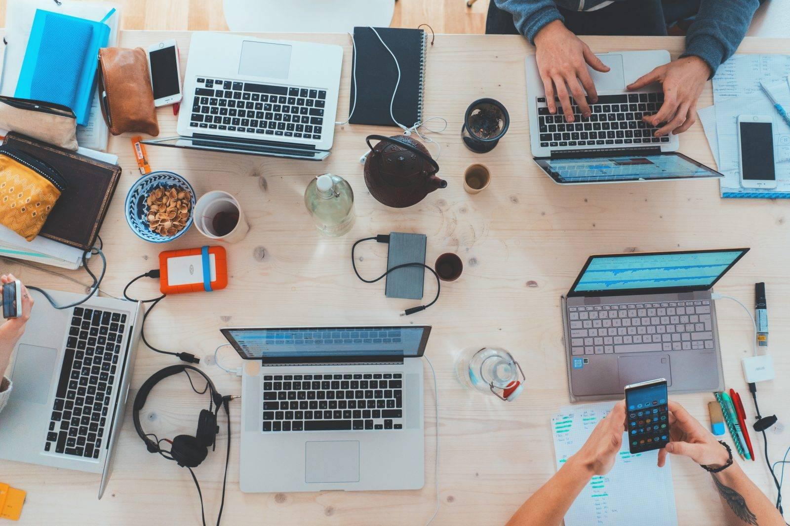 Beruflicher Neuanfang ohne Risiko - darauf sollten Sie bei Jobwechsel achten